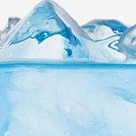 Alpská voda z ledovce Argentiere